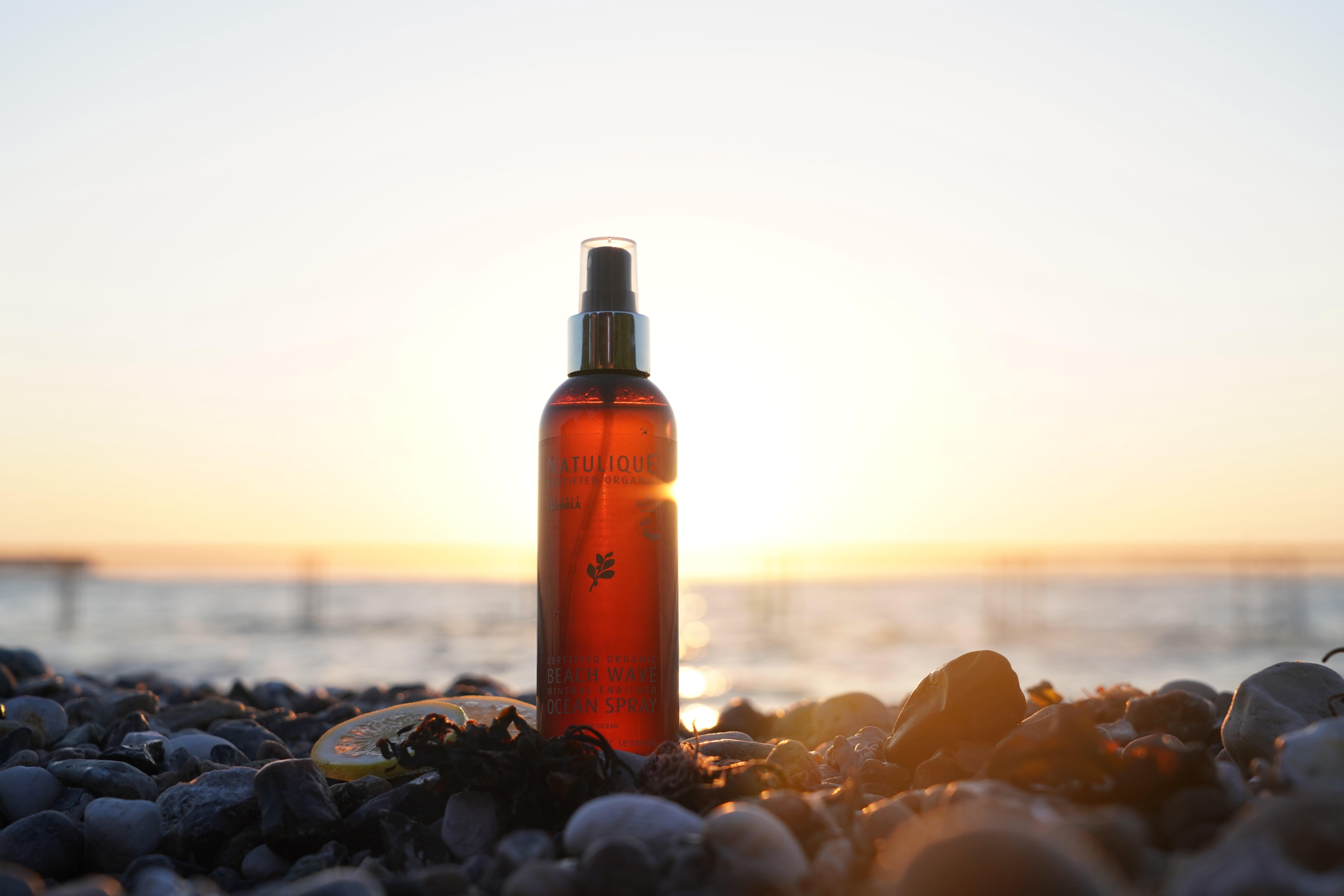 hair spray summer kit at the beach